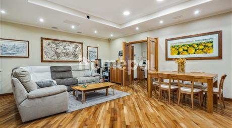 Grande appartamento al nono piano ristrutturato e arredato | XVII Trieste