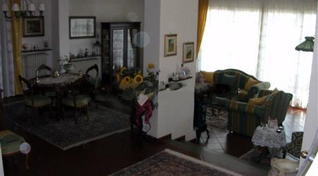 Villa plurifamiliare viale Guglielmo Marconi 59, Montecatini-Terme