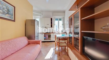 Appartamento luminoso con balcone e cantina