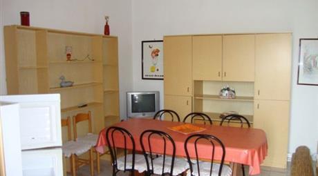 Comoda e luminosa villetta a Lido Presepe con due appartamenti indipendenti