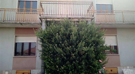 Casa indipendente frazione Montemarzo 206, Asti