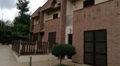 Villetta a schiera Fermignano   190.000 €
