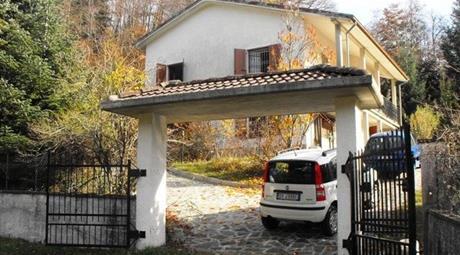 Villa in Vendita in Via Provinciale Sud 94 a Tornolo