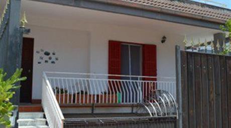 Villetta a Schiera in Vendita in Via Paolo Emilio Imbriani a Quarto € 325.000