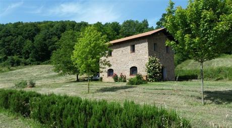 Terreno 8,5 ettari con tre casali Valmontone 520.000 €