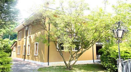 Porzione Bivilla composta da due appartamenti indipendenti
