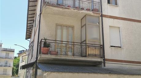 Appartamento + garage in vendita a Montegranaro