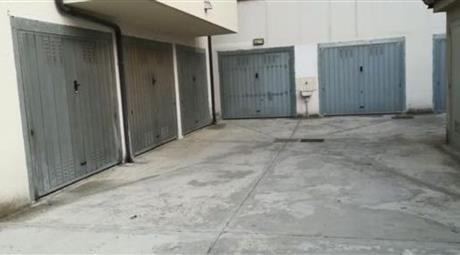 Garage in vendita in via alicata , Rottofreno