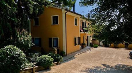 Rustico, Casale in Vendita in Via Aroli 10 a Monsano