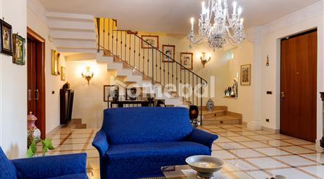 Lussuosa villa dotata di ogni comfort | Corso Europa