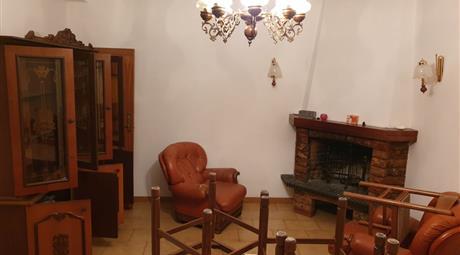 Casa Bifamiliare in Vendita in  Agosta
