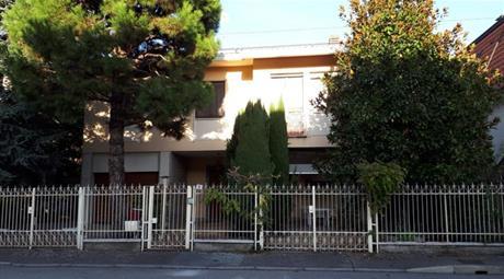 Casa Indipendente in Vendita in Via Buccari 8 a Legnano