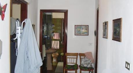 Appartamento + box in piccolo stabile in Calabria