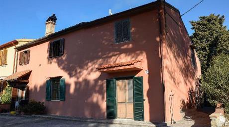 Appartamento e terreno in Parrana S. Martino