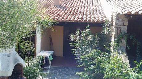 Villino trilocale con veranda mansardato 85.000 €