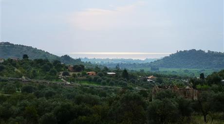 Vendesi terreno di 18.000 a Noto con possibilità di fare una villetta di 180 mq