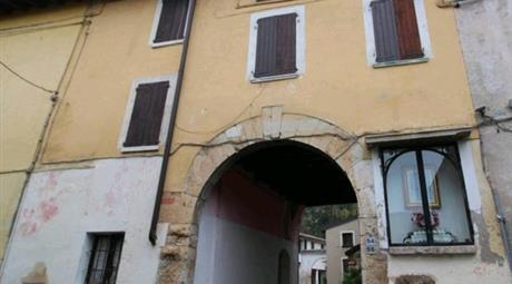 Proprietà rustica in vendita in via Montebello, 35 Cellatica   65.000 €