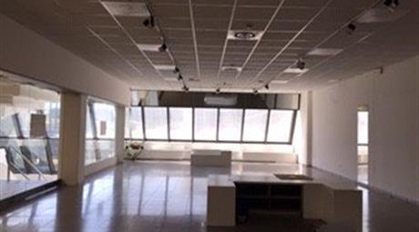 Locale commerciale in vendita a Mira 180.000 €