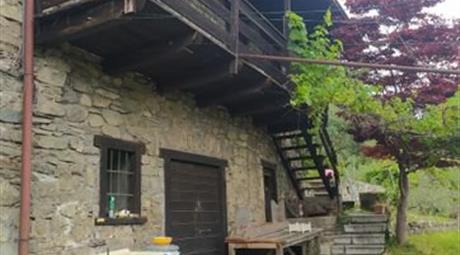 Baita, Bungalow, Chalet, Trullo in Vendita in Via Vigne 38 a Piancogno