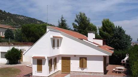 Appartamenti Arredati in Villa vicino Ospedale e Convento