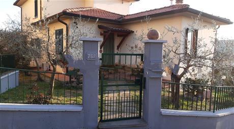 Villa a schiera via Montarfoni 76, Laterina Pergine Valdarno € 210.000