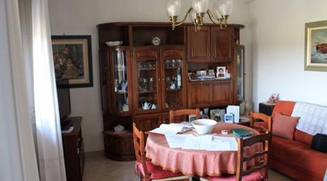 Quadrilocale via Provinciale Bagnara 155, Lugo      € 100.000