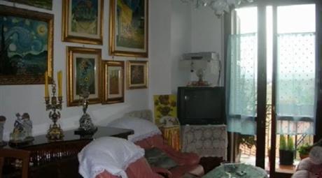 Appartamento luminoso, confortevole e servito