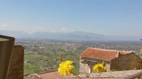 Casa indipendente in vendita in via Cancello, 60.000 €
