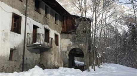 Fabbricato indipendente in vendita a via Molini 550.000 €