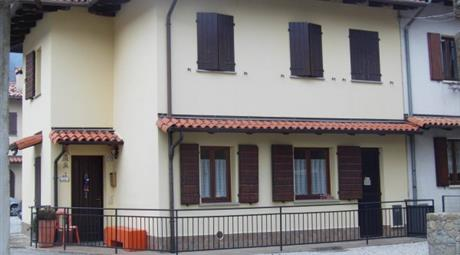 Villa via Giuseppe Mazzini 12, Meduno      € 75.000