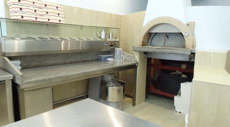 Vendesi eo Gestione Pizzeria Viareggio (LU). 180 mq .Nuovo