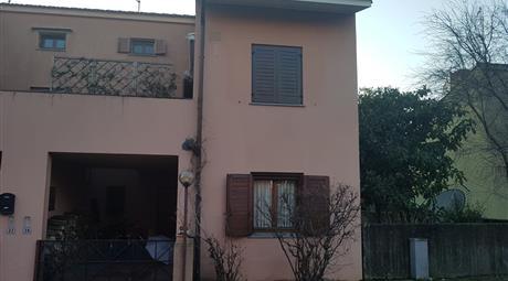 Villa a schiera di testa - Villaggio Primavera