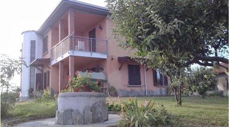 Villa trifamiliare signorile