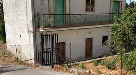 Casa indipendente bifamiliare in vendita  a  via Del Popolo 99.000 €