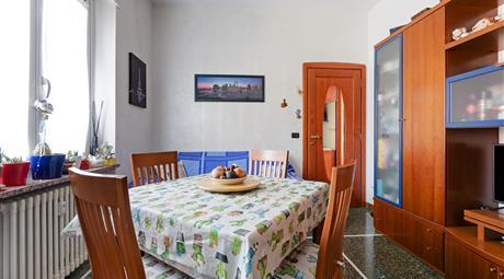 Pratico appartamento ristrutturato | adiacente a C.so Dante