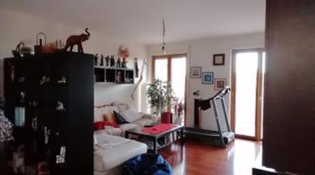 Vendesi appartamento  in Via Marco Partipilo  a Bari