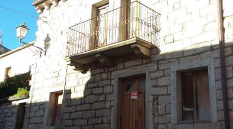 Abitazione, centro storico Luras (Gallura), Sardegna