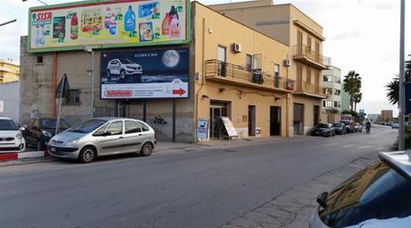 Vendesi locale  ad uso commerciale a Trapani