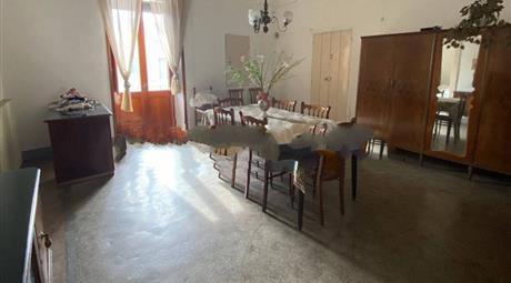 Vendesi villa in Via Vittorio Emanuele III 92 a Ruffano (LE)