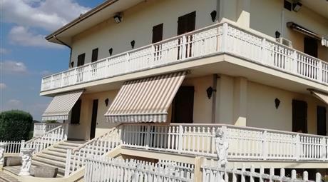 Casa indipendente in vendita in via Vallalta