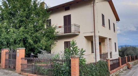 Casa Indipendente in Vendita in Località Frattavecchia a Castiglione del Lago