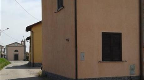 Bilocale via frazione Torradello 30, Battuda