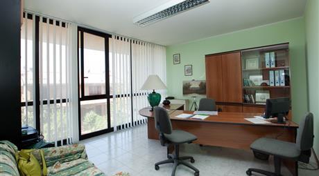 Affitto ufficio in zona Lacugnano