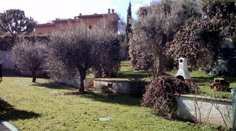 VIlla di 250mq + giardino di 1800mq in splendido residence
