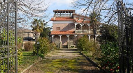 Villa via Villarbasse, Roma