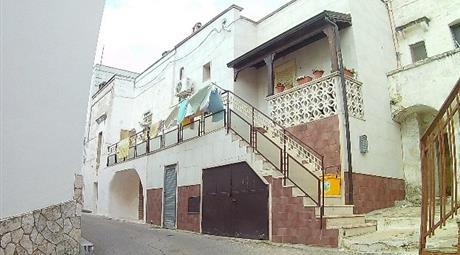 Casa Indipendente su tre livelli