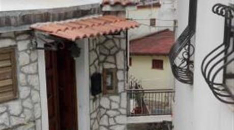 Casa singola nel centro storico di Pescasseroli