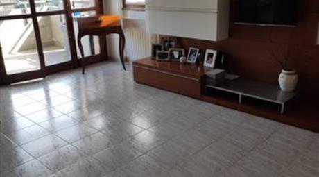 Vendesi Appartamento con annessa mansarda a Limbiate