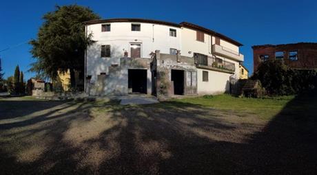 Rustico, Casale in Vendita in zona Laterina a Laterina Pergine Valdarno € 68.000