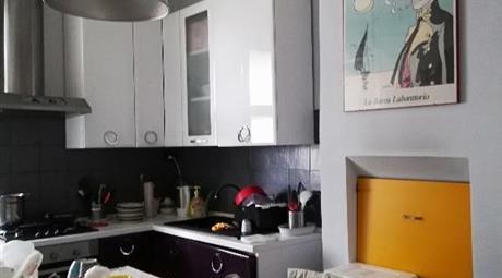 Ampio appartamento zona ospedale/Corso Cairoli